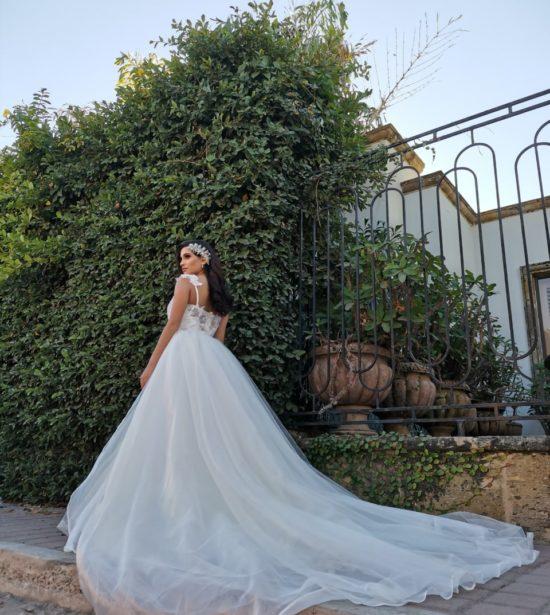 Vestidos de novia en corte sirena con tirantes