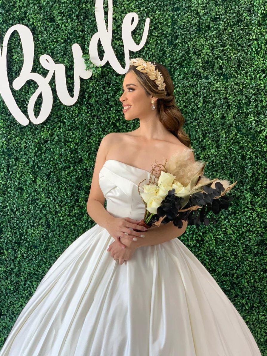 vestidos de novia lisos y elegantes
