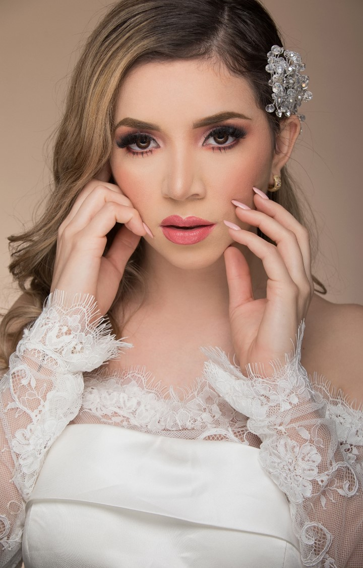 Vestidos de novia manga larga y encaje
